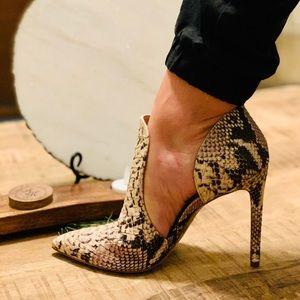 Stunning alligator heels!